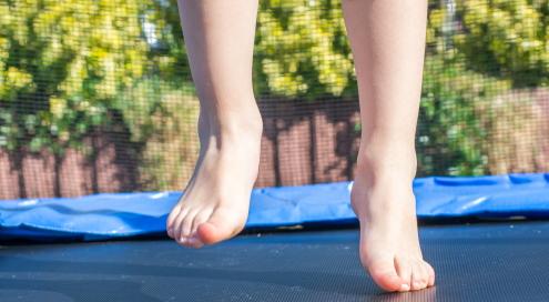 de rand van de trampoline
